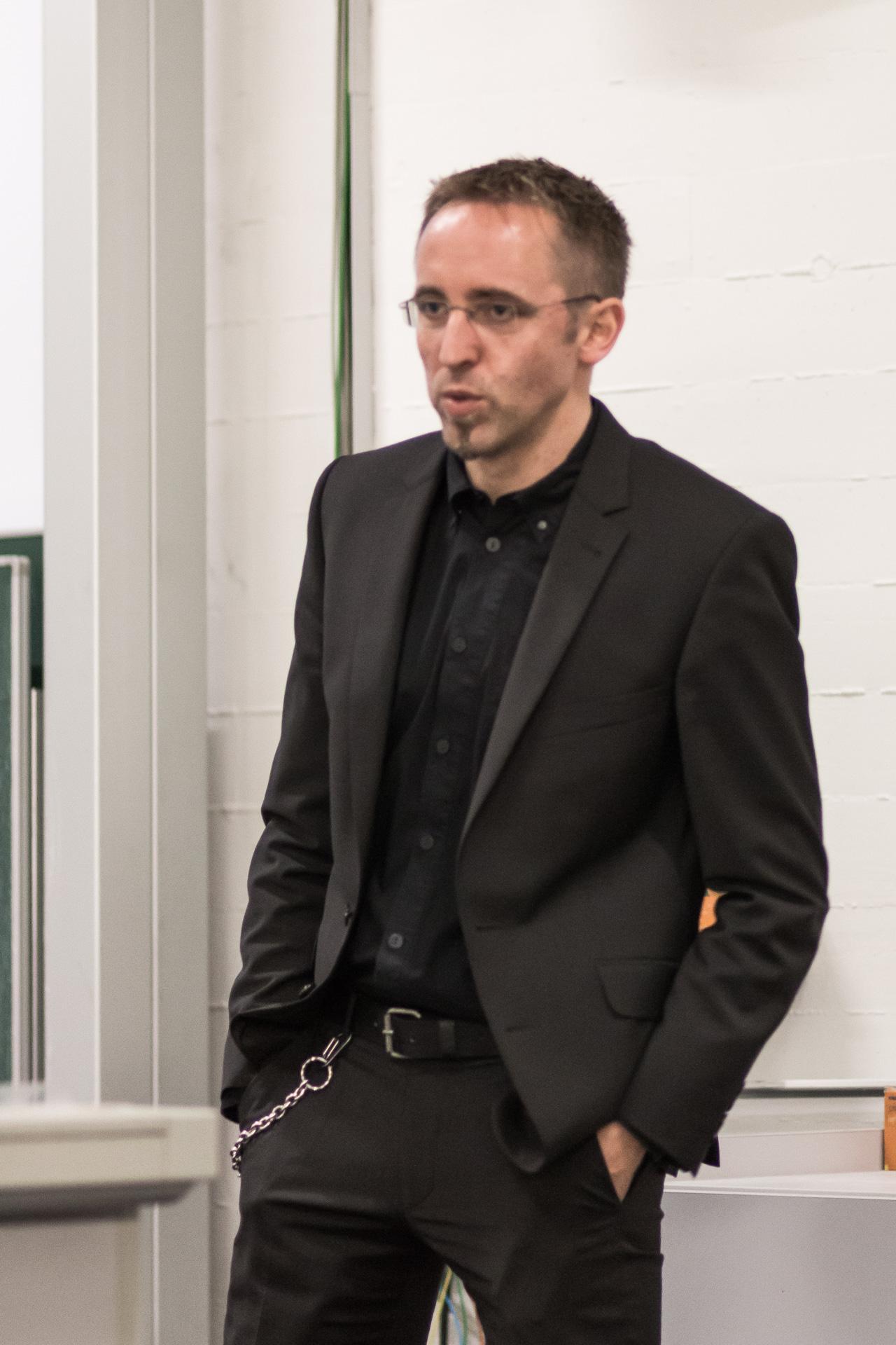 Sven Adam ist Rechtsanwalt in Göttingen. Sein Spezialgebiet sind Fälle von Racial Profiling.