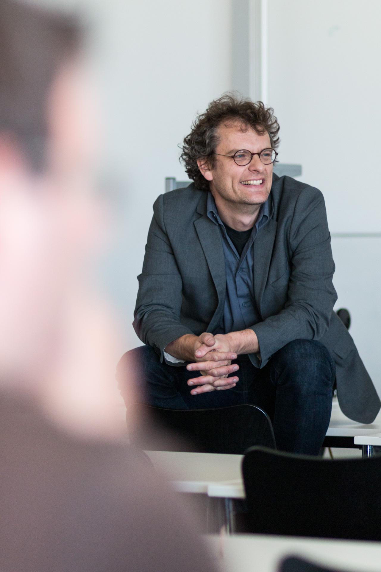 Prof. Alexander Graser stand auch für Fragen zur Verfügung. (Foto: Bastian Winter)